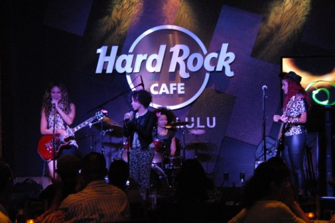 Sledge Grits Band @ Hard Rock Honolulu - (c) Stan Thomas